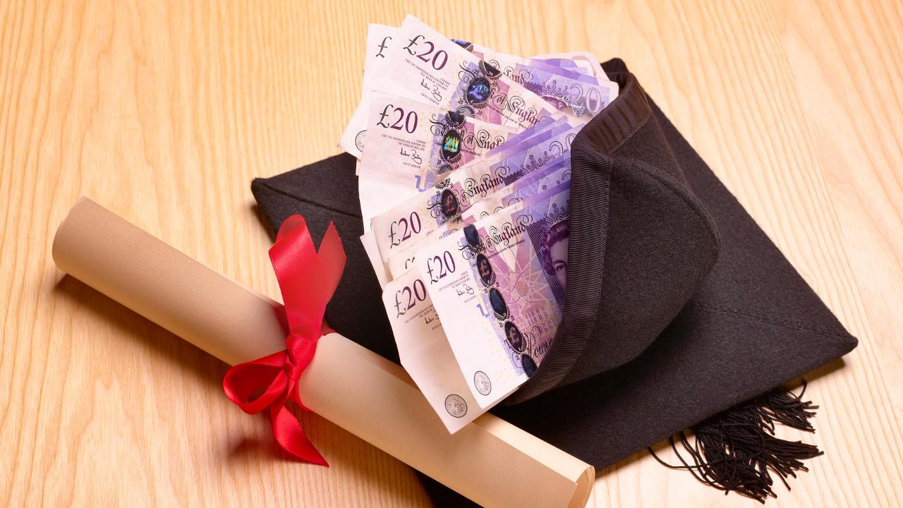 Finansier skolepenger med lån på timen.